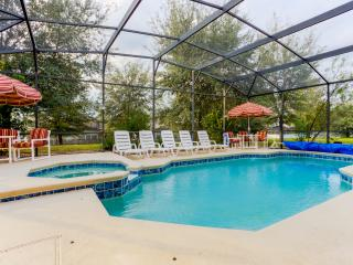 LUXURY 8br Villa, 3800+ sq ft, w/Private Pool, 4K TV, Home Theater; Near Disney