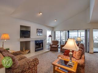 Wapato Point Halmalka Condo 510B by Sage Vacation Rentals