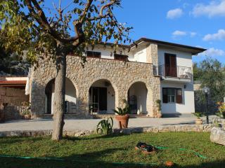 Villa Civita, Wi-Fi, spiaggia 7 km, nei pressi di Roma, Itri