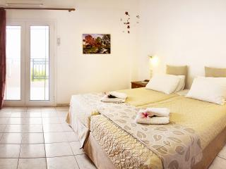 Double area apartment,2-4 people Kato Stalos beach -Chania West Crete