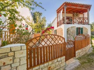 Dendiatika Cottage, Near Loggos (Sleeps 2-4)