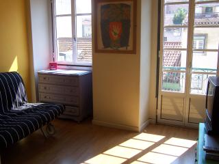 Garden flat with view of the Tagus, experience it., Lissabon