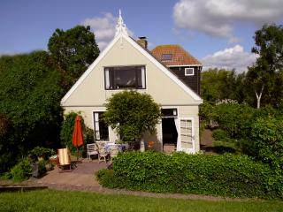 The Lake House 20min from Amsterdam 2-6 pers.Off season discount 125 for 4 pers.