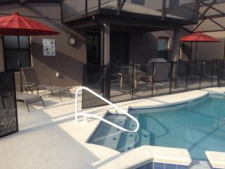 Becky's Disney Pool Home  ***1/2 PRICE! Any dates btw Apr. 22 - May 6, 2017***