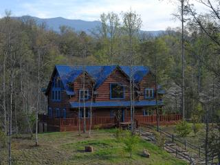 Blue Mountain Lodge -near Gatlinburg Arts & Crafts