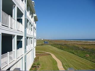 Closest to the Beach at Pointe West!  2/2 Condo, Galveston
