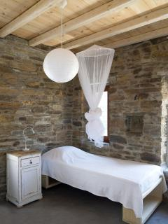 the single beds of the big stone house