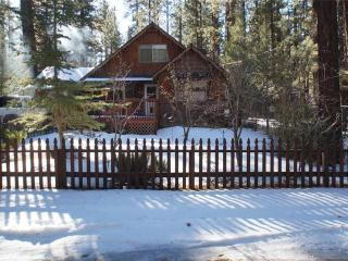 Eagle's Hideaway ~ RA68730, Big Bear City