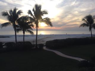 "LUXURY UPDATED ""BEACHFRONT"", Riviera Club Fort Myers Beach, SUNSET VIEWS!!!!!!!!"