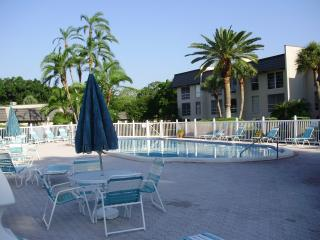 Ideal Florida vacation home condo available now, Seminole