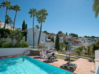 COZY ANDALUCIAN HOUSE HEATED POOL  PANORAMA VIEW, Marbella
