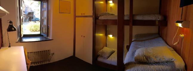 Habitación literas 3 camas (1)