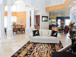 Villa Sun Castle - Expansive Luxury Estate, Cape Coral