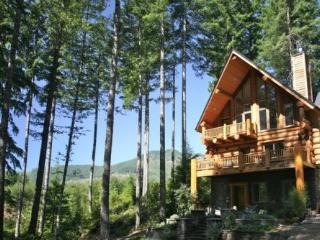 Voted 'Best in the NW'A Majestic Mountain Retreat