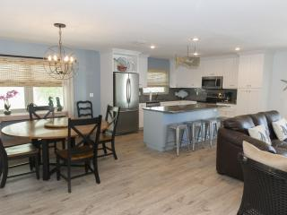 Siesta Beach is only a half a block! Sleeps 6-8., Siesta Key