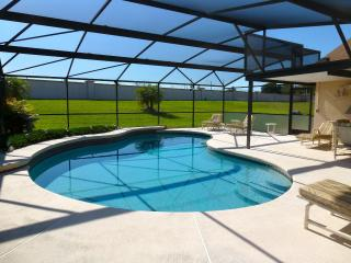 Peaceful & Private, 5 Minutes to Walt Disney World, Kissimmee