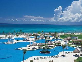 MAYAN PALACE (CUN) SUITE 2 ADULTOS 2 NIÑOS, Cancún