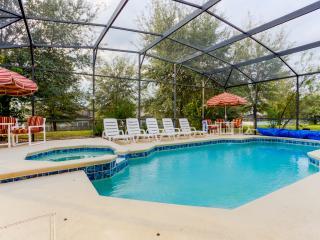 Newly Renovated Luxury 8 Bedroom,4.5 Bath & pool, Davenport