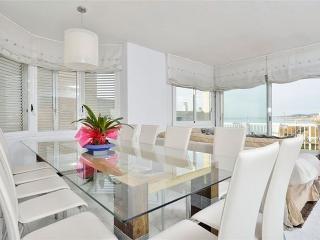 Balmins Villa, 5 min to BEACH, Next to Harbour, Sitges