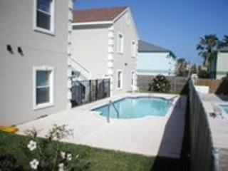 Mar y Sol #8 condo 2-3 minute walk to beach access, Isla del Padre Sur
