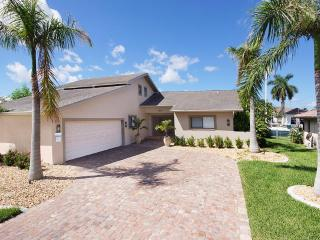 Dream Villa Royal by the canal in Cape Coral
