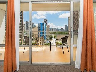 City View Condo with Full Kitchen and Tons of Amenities in the Ilikai Hotel
