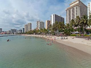 Top Floor, End Unit, Cabana At Waikiki 1br Condo By Beach With Full Kitchen