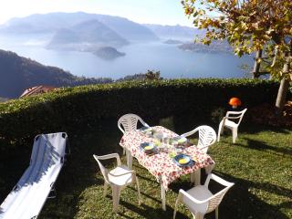 Appartamento Belvedere With Private Garden, Varenna
