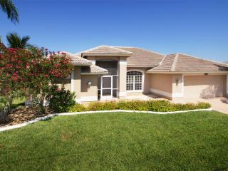Villa Soluna, situated in a quiet residential area, Cape Coral