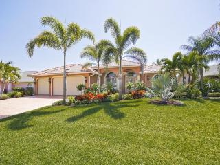 Dream Villa Endless Summer with Pool and SPA, Cape Coral