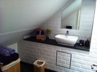 Large modern bathroom.