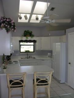 Kitchen with all appliances, large dining table!