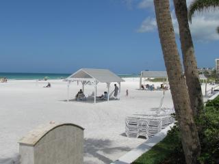Siesta Key Beach Villa - #1 rated Beach in America