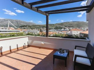 Apartment Callista - Two Bedroom Apartment with Terrace and Sea View, Dubrovnik