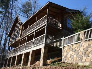 Hawk's  View  Cabin 'Nicer than Abe Lincoln's', Gatlinburg