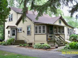 Auntie Esch's Country Home Rental Twin Lakes WI