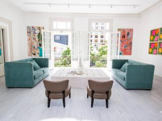 Sensational 4 Bedroom Apartment in Palermo Chico, Buenos Aires