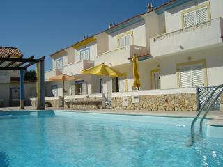 2 bed villa with pool & wifi - Manta Rota F monthly stays welcome