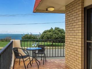 Single Bedroom Apartment with Amazing Ocean Views, Scarborough