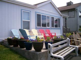Pat's Beach House -  Ocean Views Await, Rockaway Beach