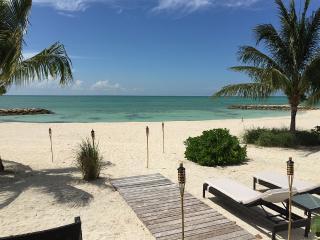 Private Beach , Beautiful Villa With White Sand