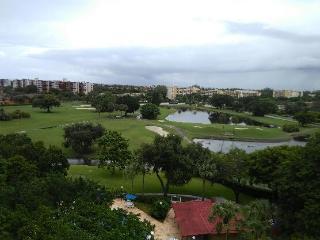2 Bdrm & 2 Bath @  Famous Inverrary Golf Course, Fort Lauderdale