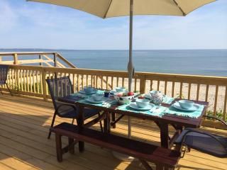 PRIVATE BEACHFRONT PARADISE, East Sandwich