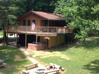 Whitetail Cabin 1st Choice Cabin Rentals Hocking Hills between Logan and Athens