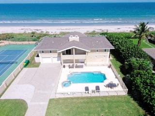 GOLDEN SANDS PEARL - Luxury, Private Beach, Pool & Spa - Stunning Ocean Views, Melbourne Beach