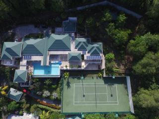 6 en-suite bedrooms, a large infinity pool private tennis court gym, Bequia