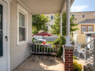 Relaxing 2BR Wildwood Cottage w/Wifi, Charming Patio & Outdoor Shower - Amazing Location, Less Than 2 Blocks From the Beach & Boardwalk!