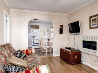 Relaxing 2BR Wildwood Cottage w/ Charming Patio!