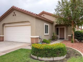 New Listing! Pristine 2BR Palm Desert House in Gated Senior Community w/Wifi, Private Fenced Yard & Spectacular Community Amenities - Easy Access to World-Famous Restaurants, Golfing & Swimming!