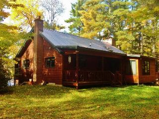 Peaceful 3BR Mercer House on 20 Acres w/Wifi, Multiple Decks & Lakefront Views - Easy Access to Outdoor Activities, Restaurants & More!